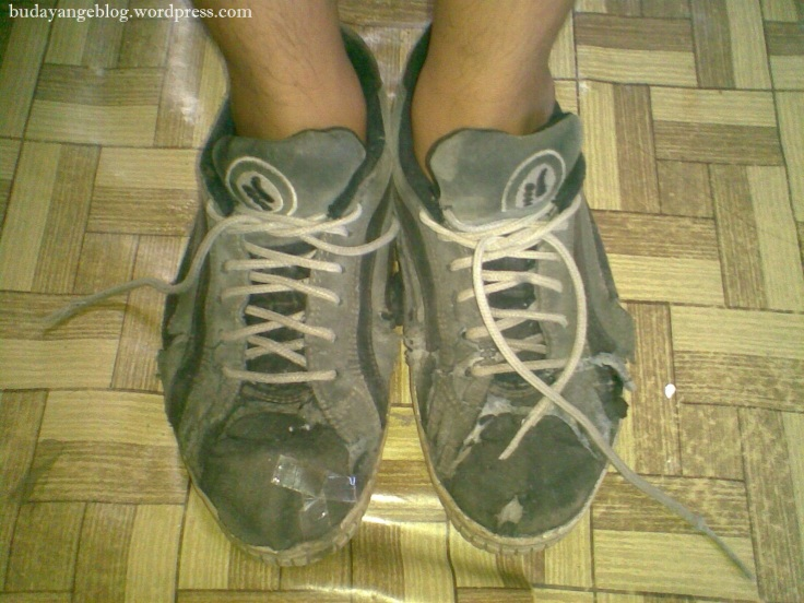 sepatu buluk